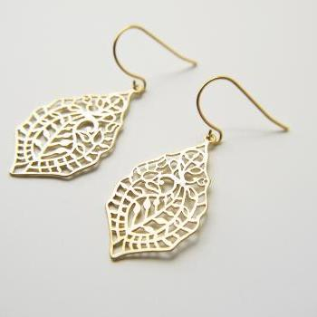 Matte Gold Paisley Filigree Earrings. Simple Modern Bohemian Feminine Everyday Earrings